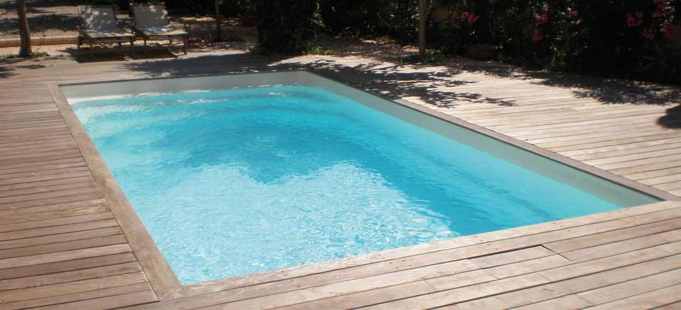 Exemple de terrasse best photo terrasse bois piscine u for Modele plage piscine