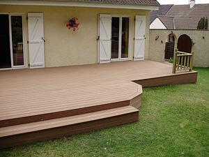illustration terrasse en bois composite